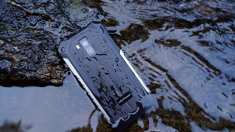 Выпущен супербюджетный неубиваемый смартфон с огромным аккумулятором и поддержкой 4G