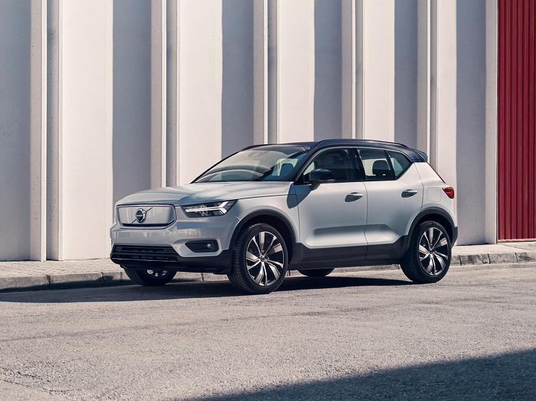 Volvo Cars открывает новое семейство электромобилей моделью XC40 Recharge