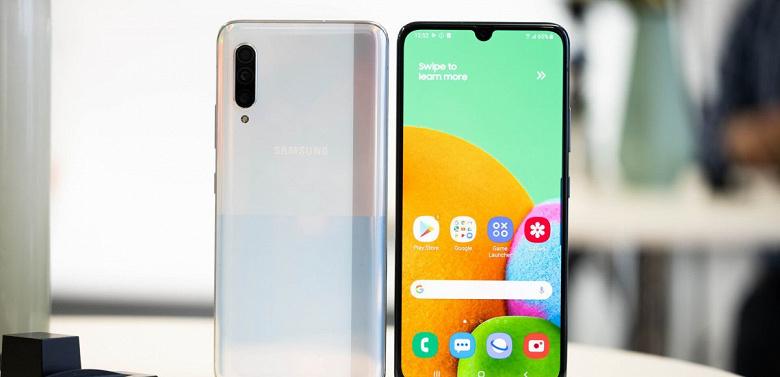 Всё равно этот Samsung никто не купит. В Китае вышел дешёвый флагман компании с 5G