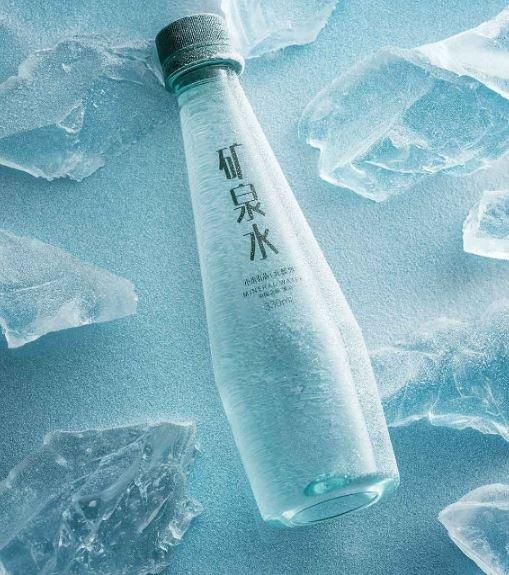 Владельцам правильных смартфонов — правильную воду. Xiaomi начала продавать минералку