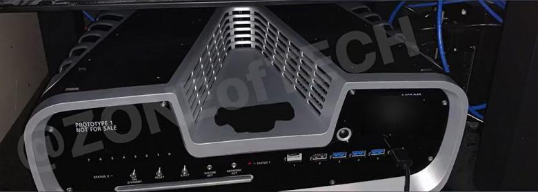 6 портов USB, V-образный вырез и встроенная камера: опубликовано живое фото PlayStation 5