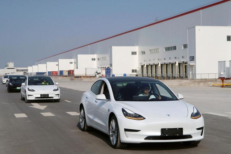 Tesla удалось выполнить годовой план поставок электромобилей