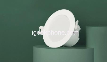 Умный потолочный светильник Xiaomi стоит всего 5 долларов