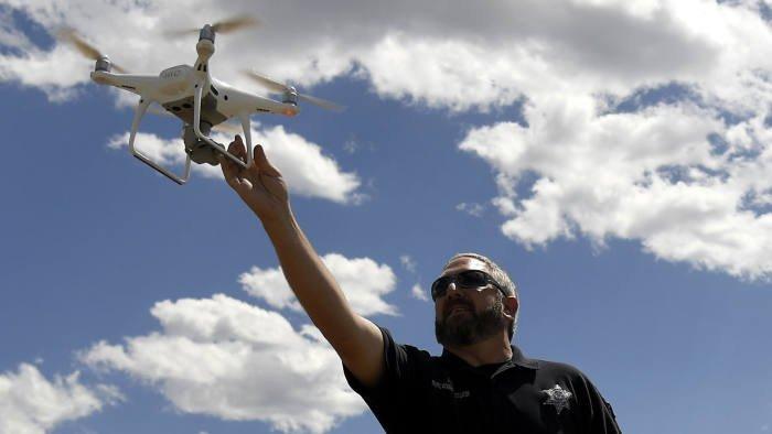 Напуганное возможностями Китая, министерство внутренних дел США прекратит использование почти 1000 дронов