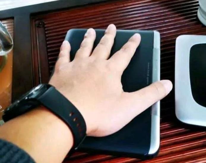 GPD WIN Max — 7-дюймовый ноутбук с процессором Intel Core i7-1065G7 и поддержкой интерфейса Thunderbolt 3