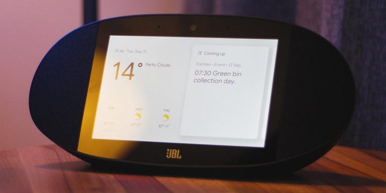 Уникальная колонка JBL Link View с экраном подешевела втрое