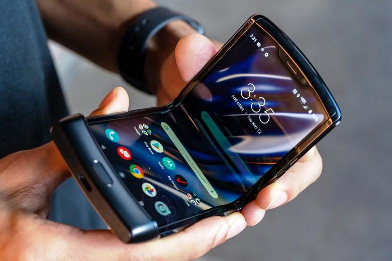 Уникальную раскладушку Motorola Razr можно купить за полцены