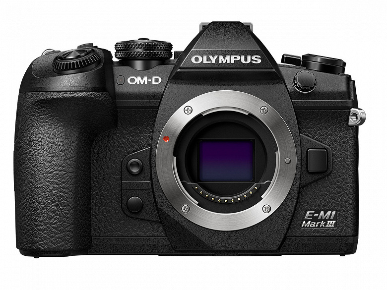 Камера Olympus OM-D E-M1 Mark III стоимостью 1800 долларов отнесена к профессиональному сегменту
