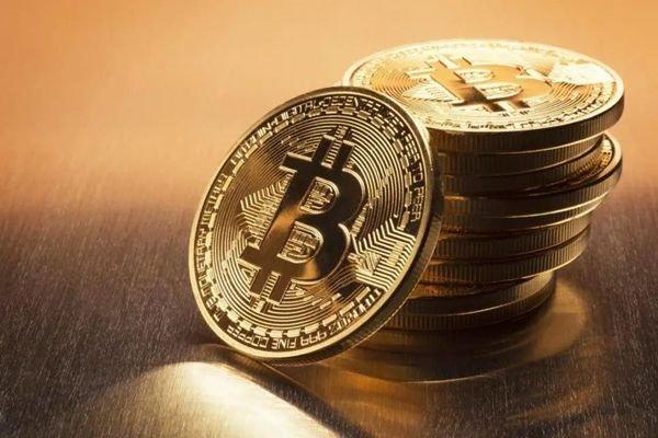 Bitcoin штурмует новые высоты. За 1 BTC дают уже $17700
