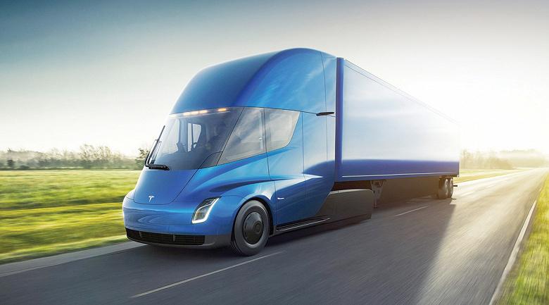 Илон Маск пообещал для TeslaSemi запас хода в 1000 км