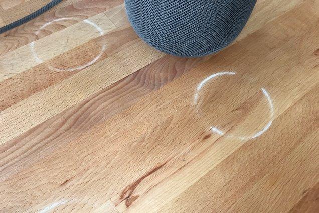 Apple HomePod mini не испортит ваши деревянные столы. Apple решила проблему со следами от резиновой вставки