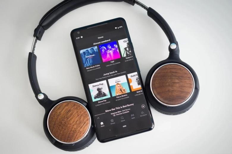 Долгожданное новшество Spotify. Доступ ко всем песням на смартфоне