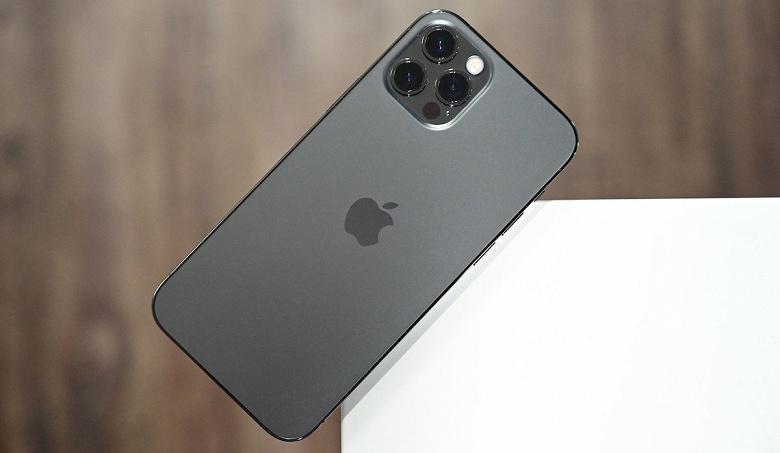 Многие хотят iPhone 12. Apple увеличивает количество заказов