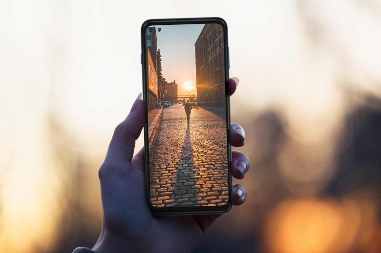 Недорогой смартфон культового американского бренда на платформе Snapdragon 888? Motorola готовит самый мощный Moto G