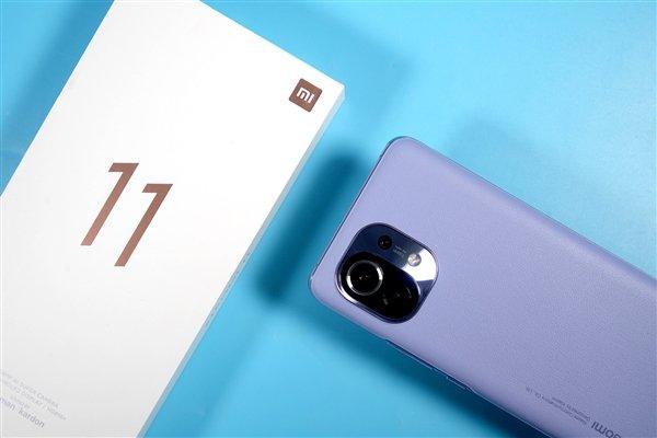 За Xiaomi Mi 11 выстроилась очередь из почти миллиона человек