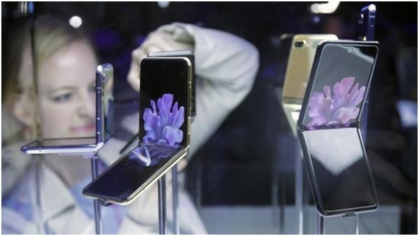 Samsung Electronics временно прекращает попытки разработать складное стекло