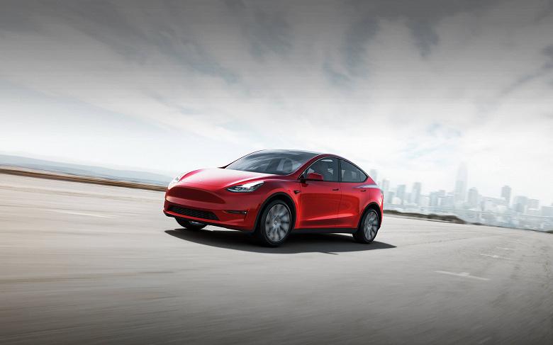 Tesla выпустила долгожданный кроссовер Model Y раньше времени. Пошли первые обзоры