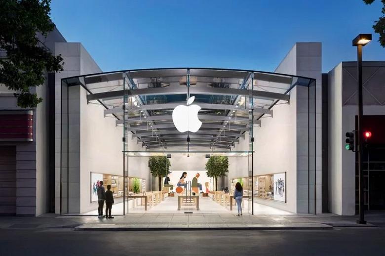 Apple откроет магазины в первой половине апреля. Но не все сразу