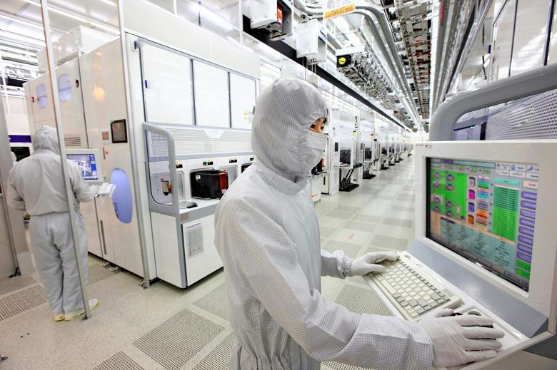 Из-за коронавируса доля Samsung на рынке контрактного производства полупроводниковой продукции уменьшится