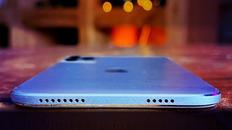 Не ждите iPhone с портом USB-C — Apple просто лишит свои смартфоны любых разъёмов