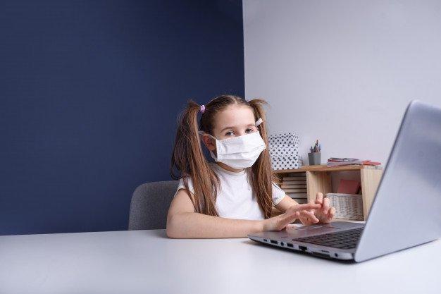 Россияне начали экономить на ноутбуках под коронавирус