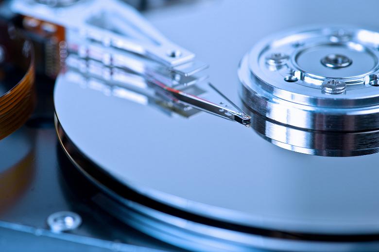Поставки жестких дисков за год сократились на 13%