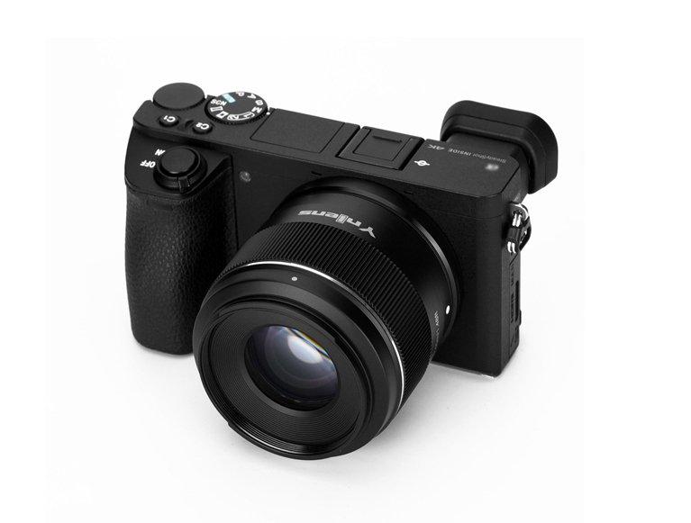 Объектив Yongnuo YN50mm F1.8S DA DSM с креплением Sony E предназначен для камер формата APS-C