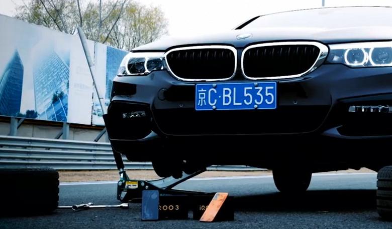 Что будет, если использовать смартфоны вместо тормозных колодок в BMW 530Li?