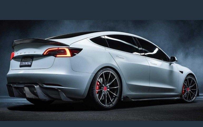 Tesla разрабатывает недорогой и долговечный аккумулятор для электромобилей