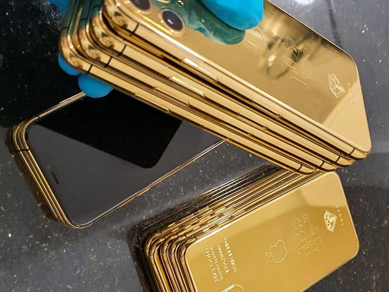 «iPhone X чуть не убил меня». Брат Пабло Эскобара требует от Apple 2,6 млрд и сам выпускает золотые iPhone 11