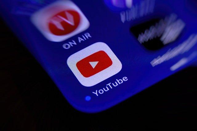 YouTube будет напоминать, что пора спать