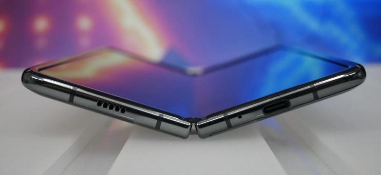 Флагман Samsung Galaxy Fold 2 с гибким экраном окажется дешевле текущей модели