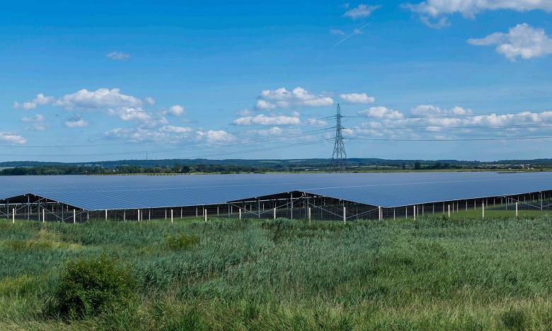 В Великобритании собираются построить солнечную электростанцию с 880 000 солнечных панелей