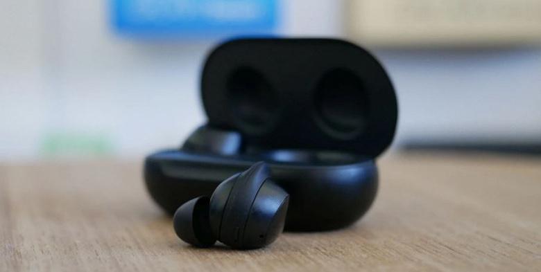 Обновление прошивки оптимизирует работу функции Ambient Sound наушников Galaxy Buds+