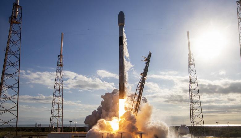 SpaceX оперативно запустила еще одну ракету Falcon 9