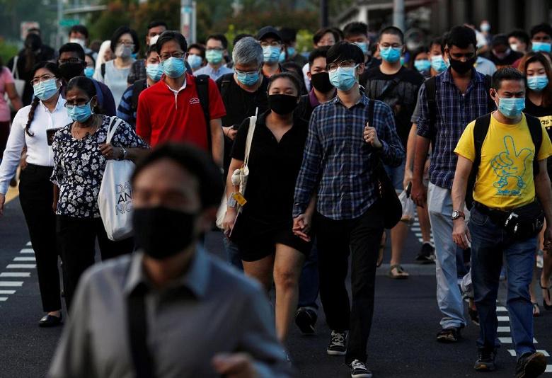В Сингапуре планируют внедрить носимые устройства для отслеживания контактов