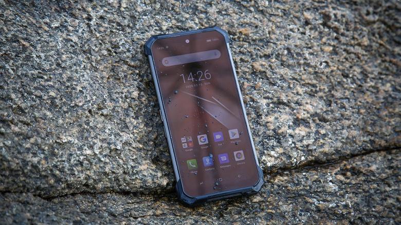 Представлен неубиваемый смартфон-аккумулятор с необычной подсветкой Doogee S88 Pro