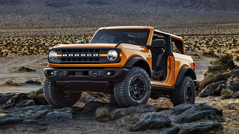Внедорожники Ford Bronco 2021 получили камеры с панорамным обзором и большие экраны