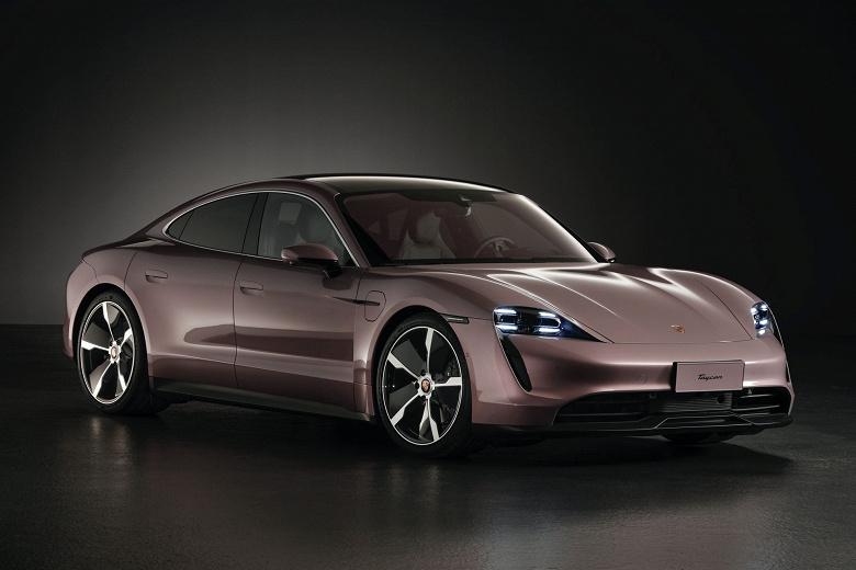 Китайцам предложили самый дешевый вариант электромобиля Porsche Taycan
