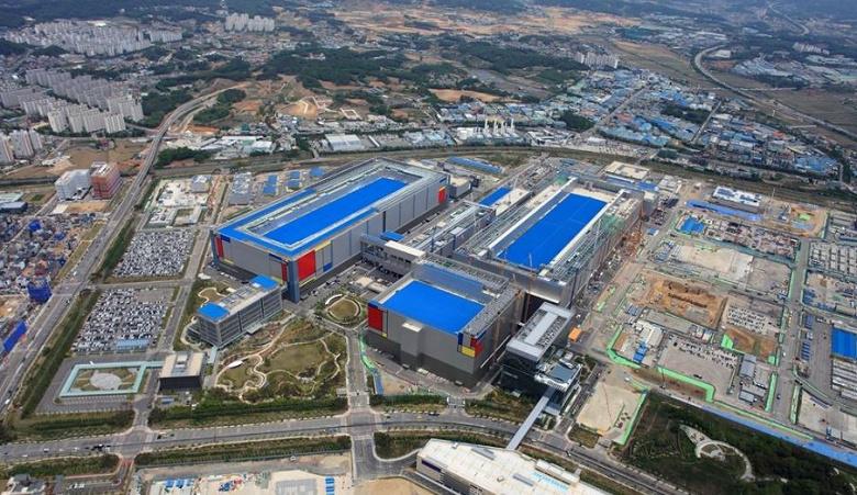 Samsung начнет строить следующую фабрику по производству микросхем раньше, чем планировалось