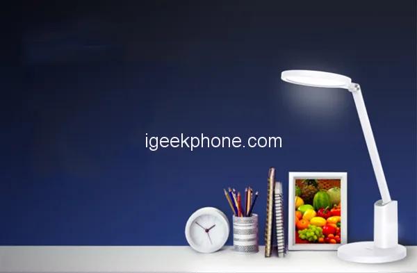 Huawei представила новую настольную лампу