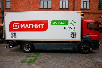 Это российский «конкурент грузовикам Tesla и Nikola». Электрический грузовик Moskva готов работать в сети магазинов «Магнит»