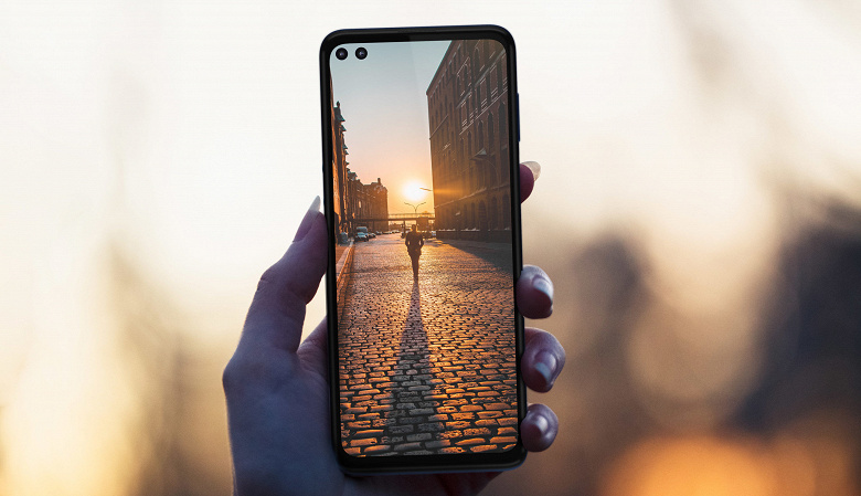 Snapdragon 765, шесть камер и большой аккумулятор. Представлен смартфон Motorola One 5G