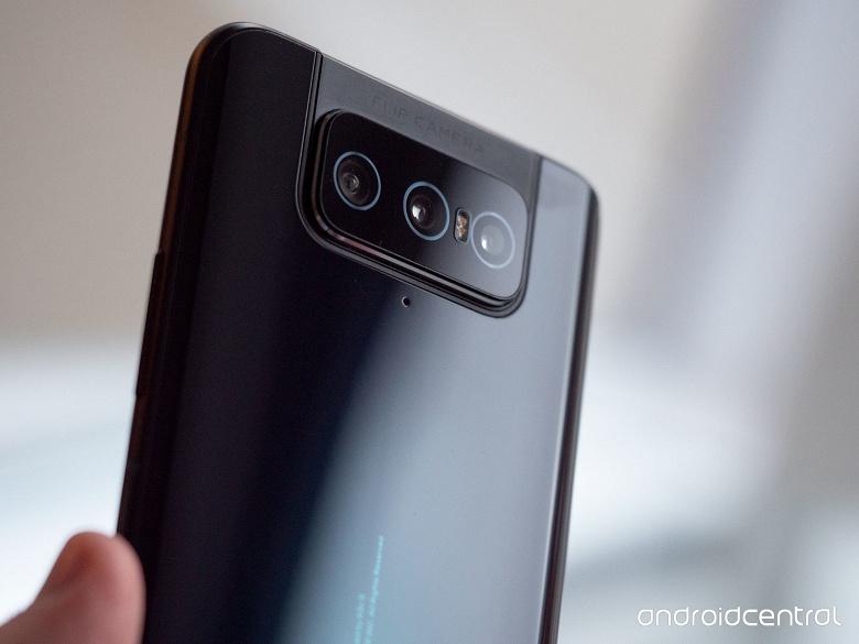 Asus Zenfone 7 и 7 Pro с камерой-перевёртышем и экраном без вырезов вышли во всём мире