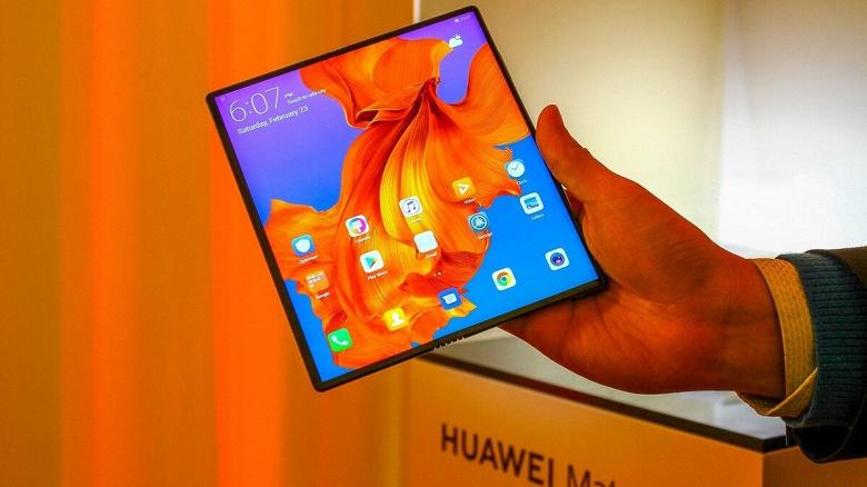 Huawei в поисках поставщиков. Экраны для гибких смартфонов будет поставлять китайская Visionox