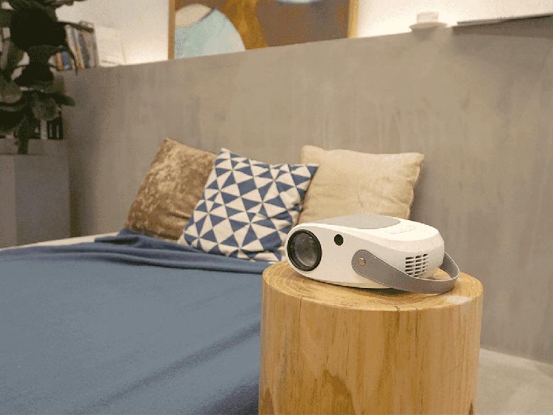Возможно, самый интересный 100-долларовый проектор. Отличные характеристики в крошечном корпусе