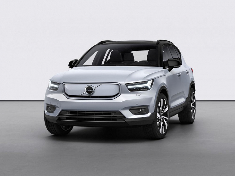 259192_Volvo_XC40_Recharge_P8_AWD_in_Gla