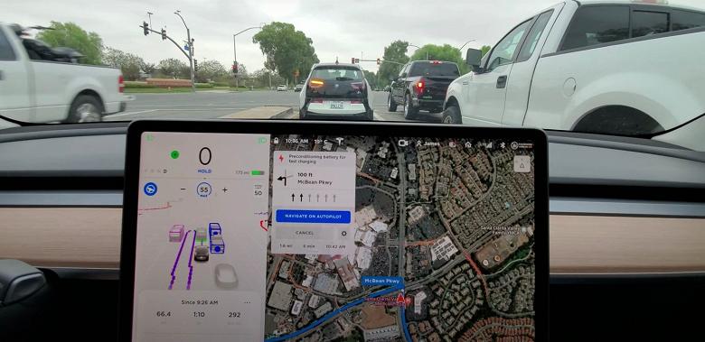 Видео дня: получасовая поездка на электромобиле Tesla с полным автопилотом