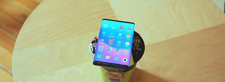 Смартфон Xiaomi с гибким экраном засветился в коде MIUI 12. У него ОС Android 11 и камера разрешением 108 Мп
