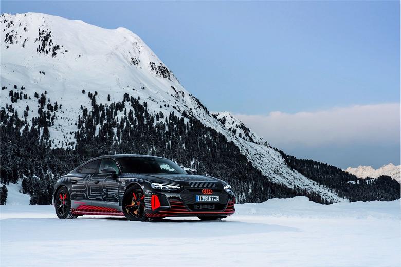 590 л.с., разгон до 100 км/ч за 3,5 с, полностью алюминиевый кузов, платформа Porsche. Это новый электрический спорткар Audi e-tron GT